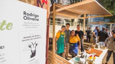 Rodrigo Oliveira e a a equipe do Mocotó no Território Tradição Nordeste na Feira Viva de Inverno