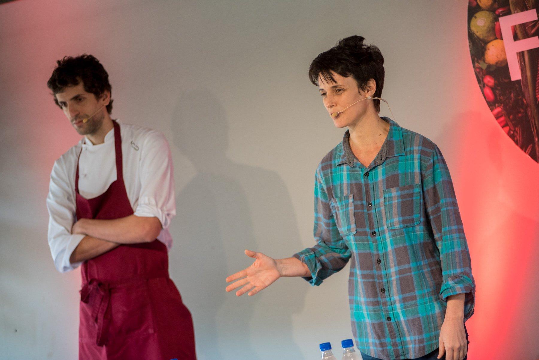 Helena Rizzo apresenta seu menu com farinha de puba e cambuci, na Experiência 01 da Feira Viva