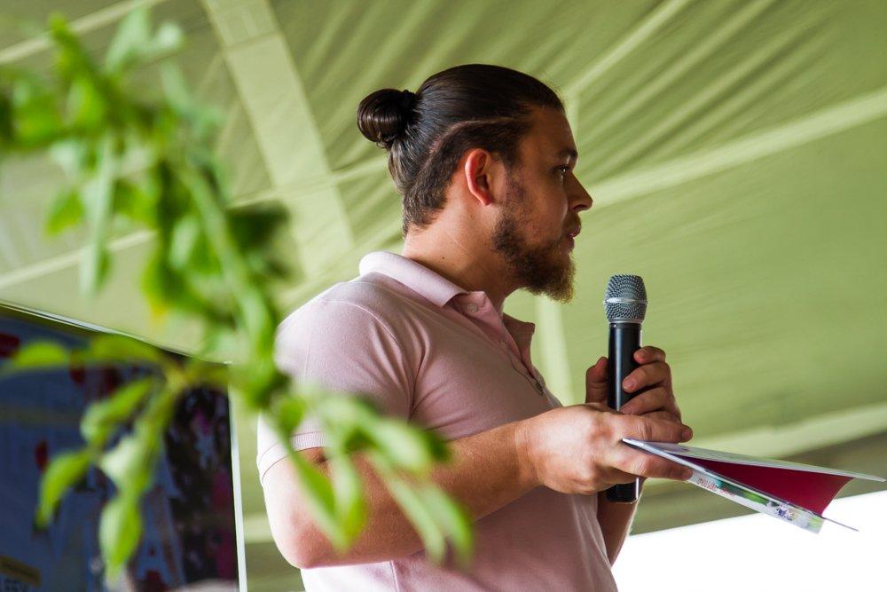 O chef Henrique Nunes compartilha todo o seu conhecimento sobre as panc's com o público da Feira Viva de Verão.